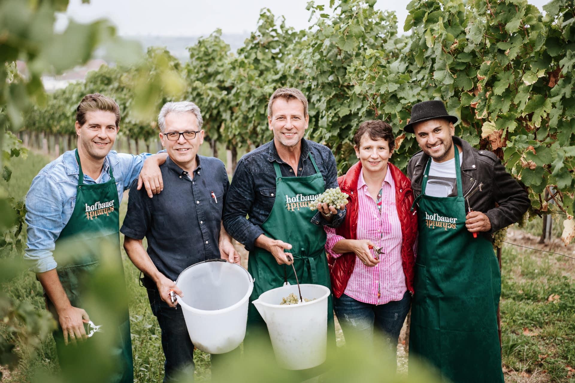 Gruppenfoto bei der Weinlese